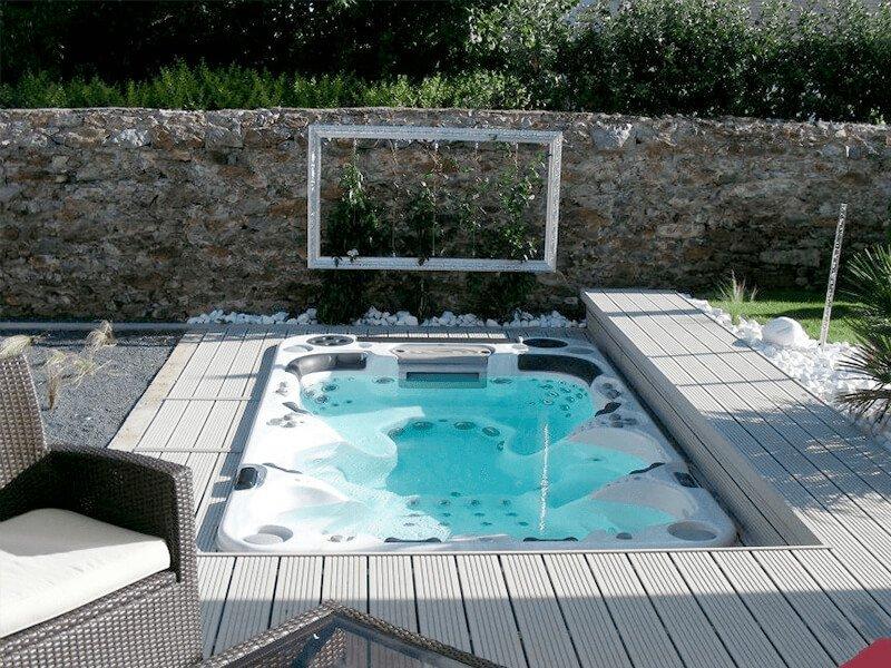 Spa Jacuzzi encastré à la Haie Fouassère - Rêve de Piscine & Spa à Nantes Carquefou La Baule Loire Atlantique (44)