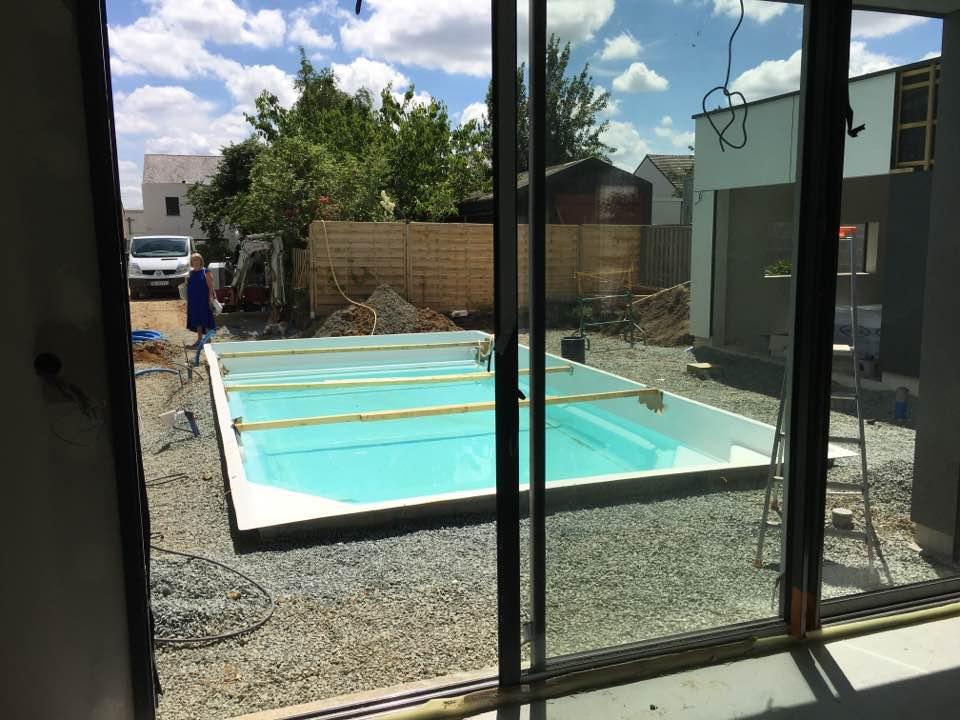 Aménagement d'une piscine Célestine et d'un Spa Jacuzzi à Nantes Centre - Rêve de Piscine & Spa Nantes Carquefou La Baule (44)