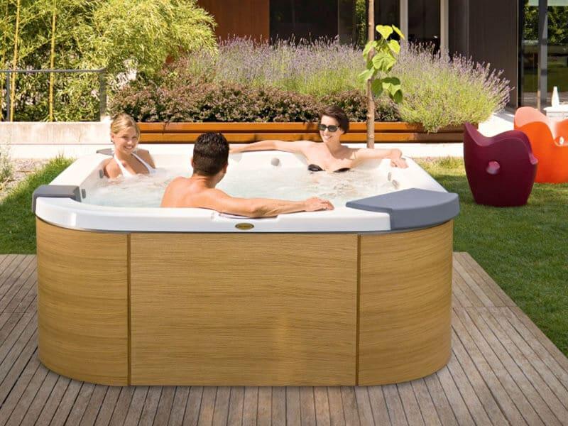 Spa Jacuzzi ® Gamme Italian Design - Rêve de Piscine & Spa à Nantes Carquefou La Baule Loire Atlantique (44)