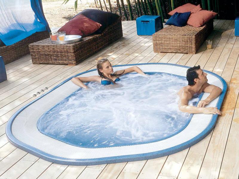 Spa Jacuzzi ® Gamme Pro - Rêve de Piscine & Spa à Nantes Carquefou La Baule Loire Atlantique (44)