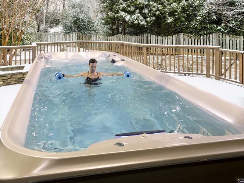 Spa de nage Jacuzzi ® Gamme Power Active - Rêve de Piscine & Spa à Nantes Carquefou La Baule Loire Atlantique (44)