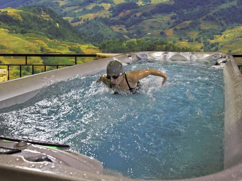Spa de nage Jacuzzi ® Gamme Power Pro - Rêve de Piscine & Spa à Nantes Carquefou La Baule Loire Atlantique (44)